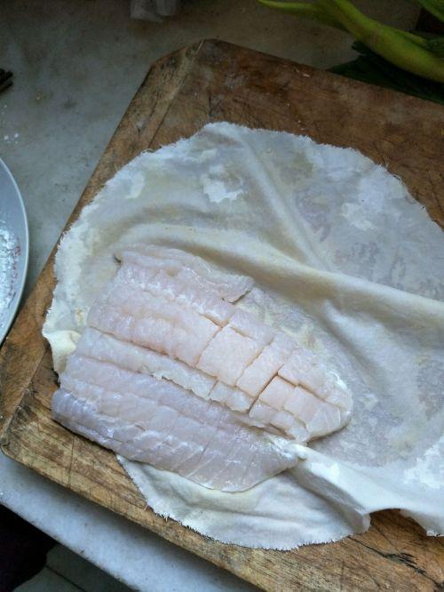 菠萝玉米龙利鱼的做法图解4