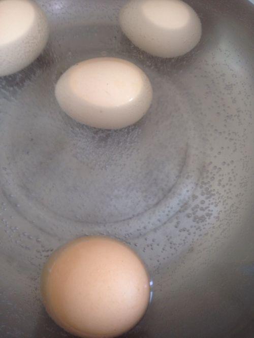 啤酒卤蛋的做法图解1