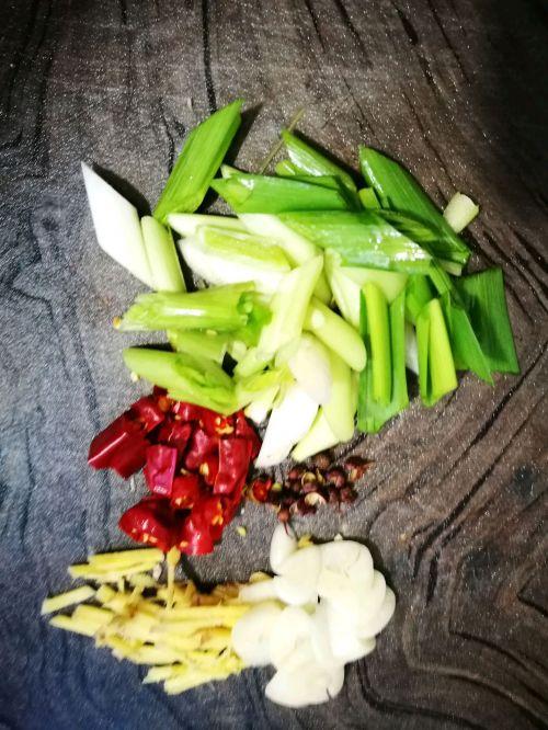 炒油菜花的做法图解2