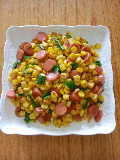 火腿肠炒玉米粒的做法图解4
