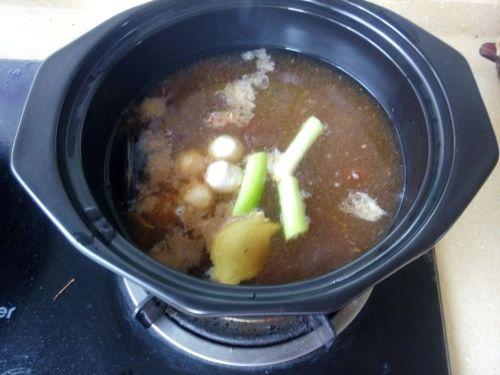 砂锅海鲜汤面的做法图解2