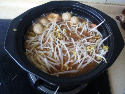 砂锅海鲜汤面的做法图解6