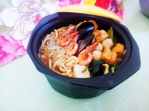 砂锅海鲜汤面的做法图解7