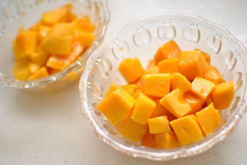 夏日清爽甜品芒果椰浆西米捞 的做法图解5