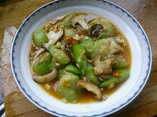 鲜香丝瓜小蘑菇的做法图解3