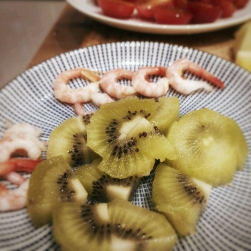 北极虾香椿芽水果沙拉的做法图解4
