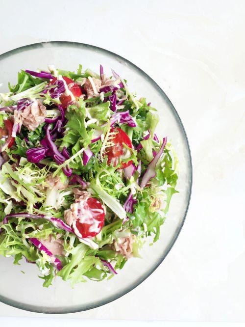 金枪鱼蔬菜沙拉的做法图解3