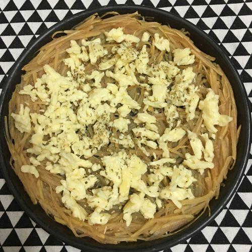 土豆丝培根披萨的做法图解6