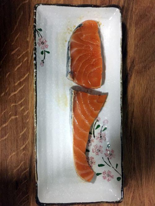 香煎三文鱼的做法图解2