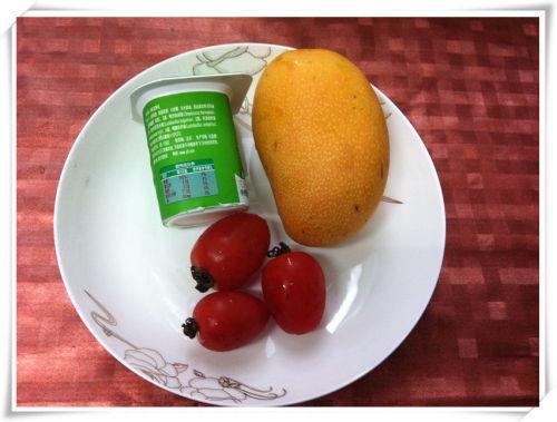 芒果酸奶的做法图解1