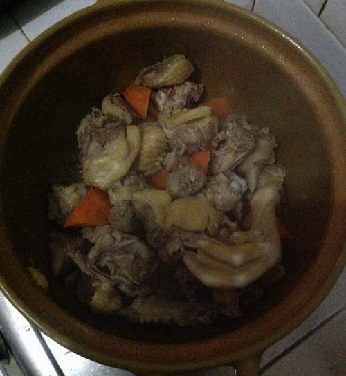 特色菜:香菇啤酒鸭的做法图解6