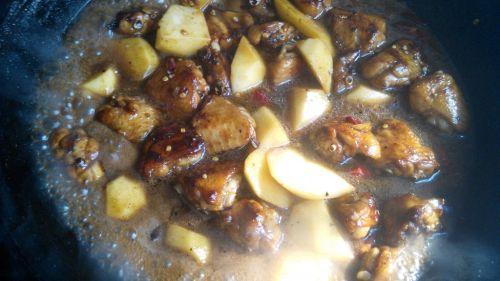 红烧鸡翅土豆的做法图解5