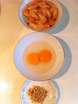 月子美食·姜蛋索面汤的做法图解1