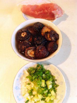 月子美食·姜蛋索面汤的做法图解2