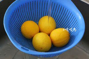 蜜渍柠檬的做法图解2