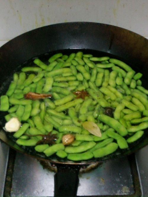 正宗武汉凉拌毛豆~健康版的做法图解2