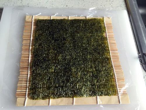 反卷寿司的做法图解2
