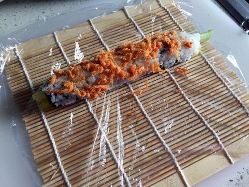 反卷寿司的做法图解7