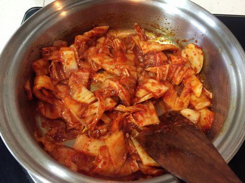 韩式辣白菜汤的做法图解3