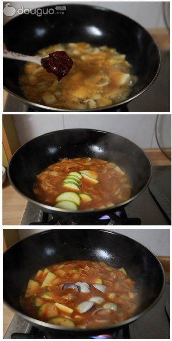 韩式泡菜海鲜锅的做法图解3