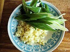 韩国火腿泡菜豆腐汤的做法图解4