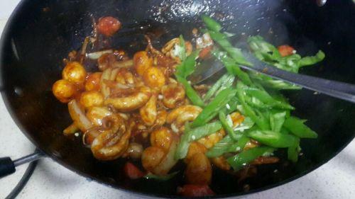 辣酱炒章鱼的做法图解5