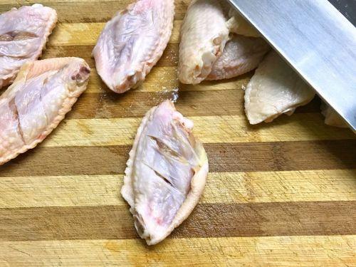 秘制叉烧烤鸡翅的做法图解1