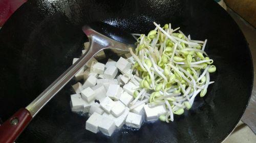 酱香豆芽豆腐的做法图解5