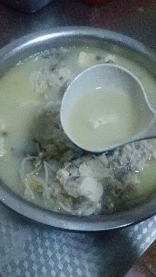 奶白鲫鱼豆腐豆芽汤的做法图解8
