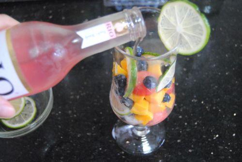 缤纷水果鸡尾酒的做法图解6