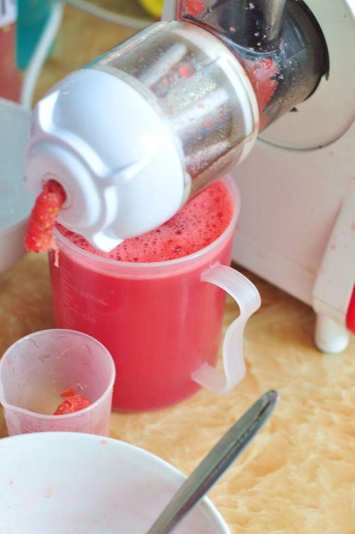 西瓜布丁酸奶杯的做法图解1