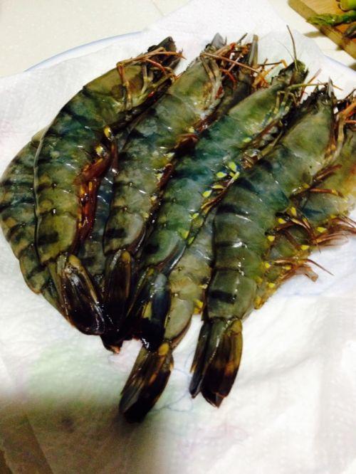 靠大虾的做法图解1