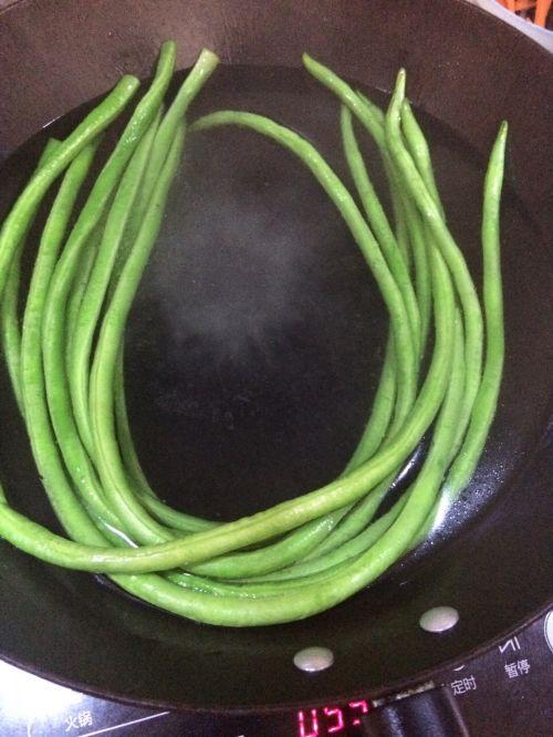 豇豆肉团的做法图解1