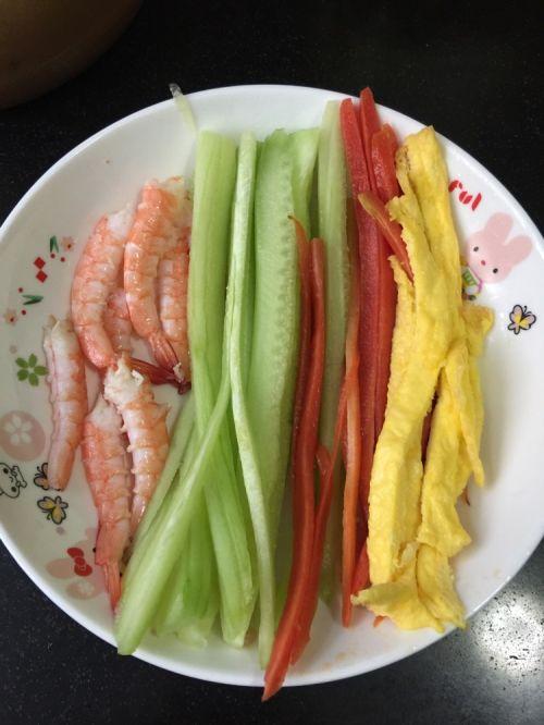 鲜虾反卷寿司的做法图解4