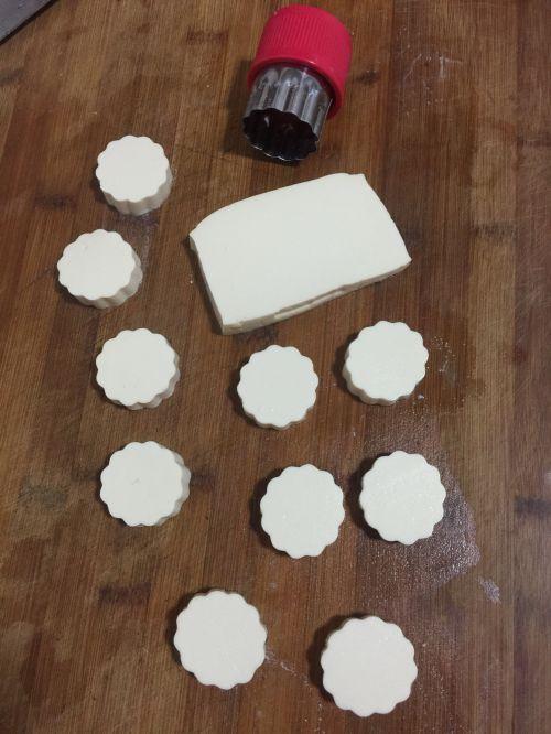 虾仁蒸嫩豆腐的做法图解3