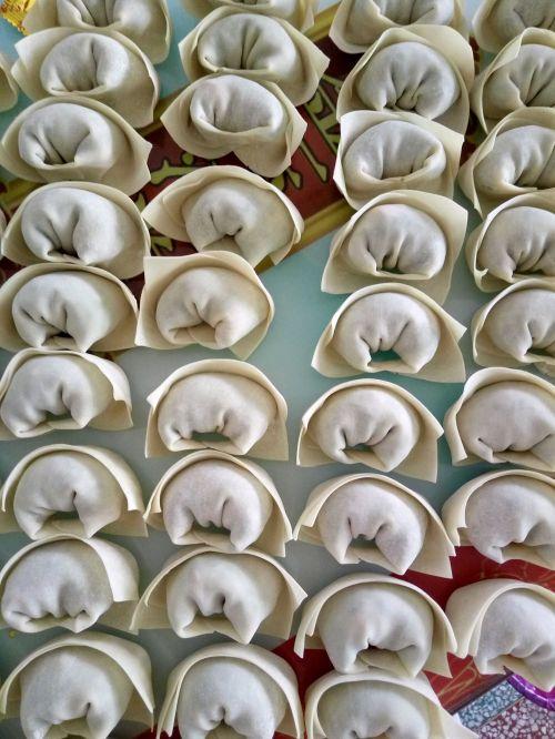 虾仁猪肉韭菜馄饨的做法图解10