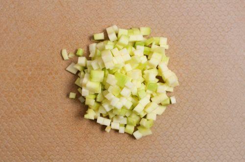 海鲜疙瘩汤的做法图解2