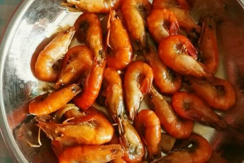 儿童餐烧河虾