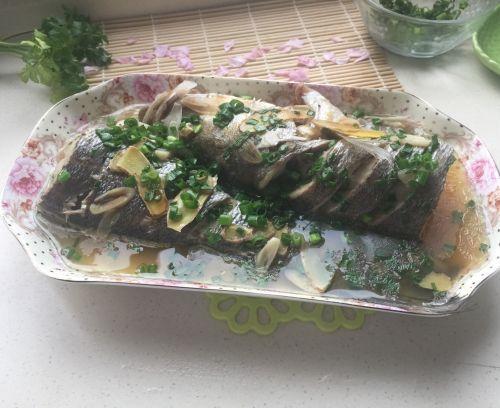 葱油海鲈鱼的做法图解7