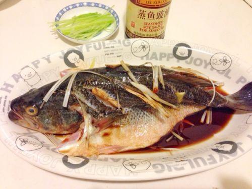 剁椒蒸鲈鱼的做法图解2