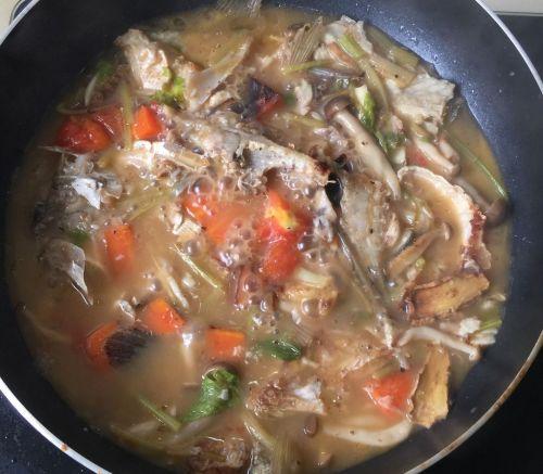 香煎海鲈鱼佐三色菜泥的做法图解8