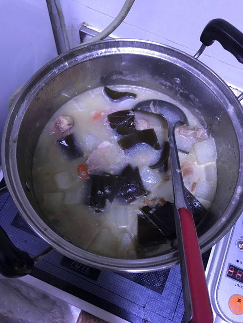 萝卜海带煲鸭汤的做法图解4