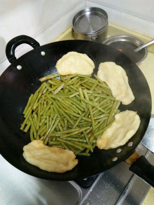 豇豆锅边馍馍的做法图解9