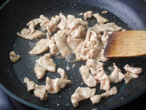 榨菜肉片炒蚕豆 的做法图解5