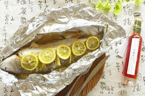 柠香锡纸包烤鱼 2 的做法