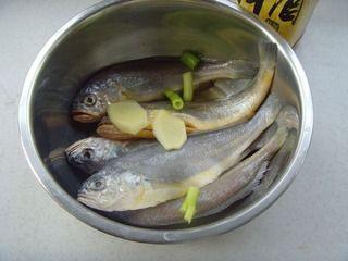 红烧小黄鱼的做法图解3