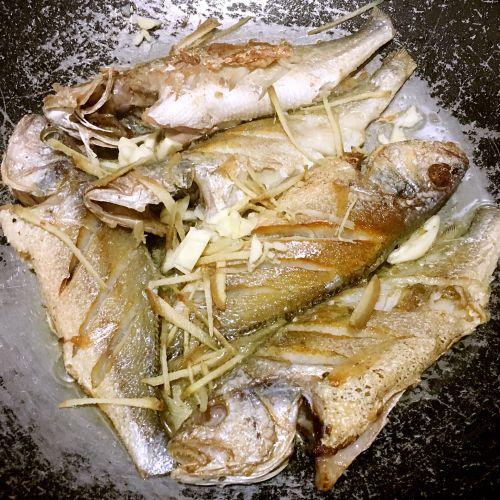 干煎豆鼓鱼的做法图解3