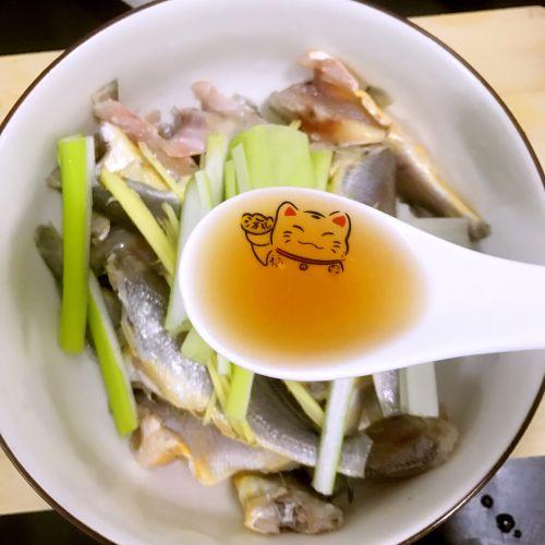 酥香小黄鱼的做法图解5