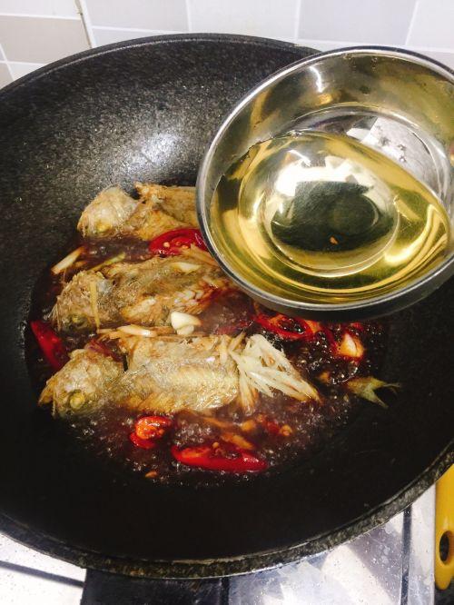 红烧小黄鱼的做法图解8