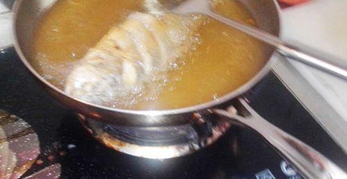 酱烧大黄鱼的做法图解2